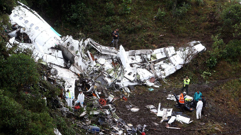 Mueren 14 personas al estrellarse un avión en la selva de Colombia