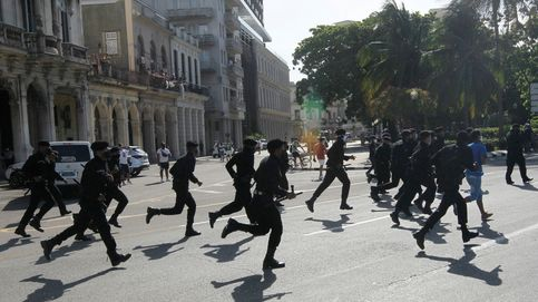 Los cubanos viven su noche más larga a oscuras y entre un fuerte despliegue policial