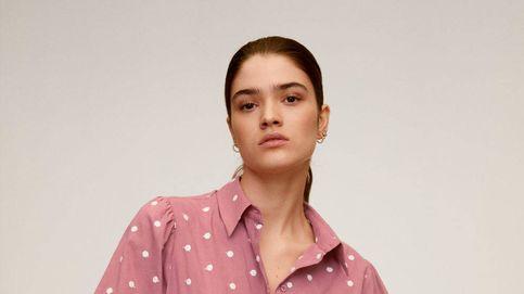 Mango rebaja la camisa de lunares por la que suspiran las influencers