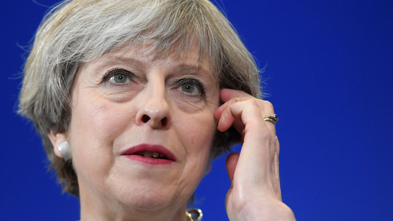 Los rebeldes del Brexit prometen un verano conflictivo a Theresa May