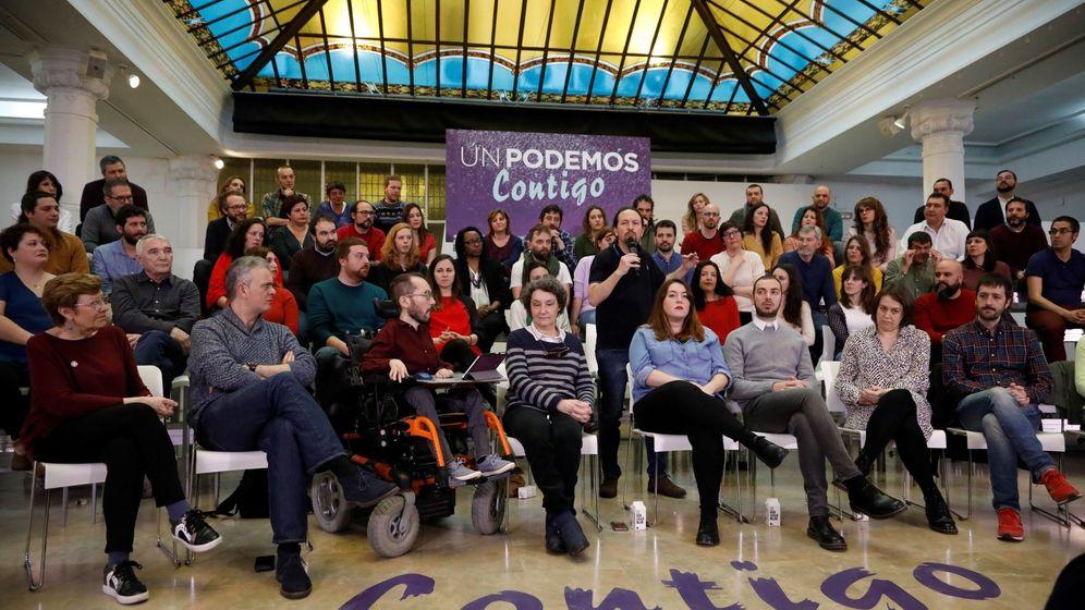 Foto: El vicepresidente segundo del Gobierno y secretario general de Podemos, Pablo Iglesias (c), en la presentación de su candidatura a la Tercera Asamblea Ciudadana. (EFE)