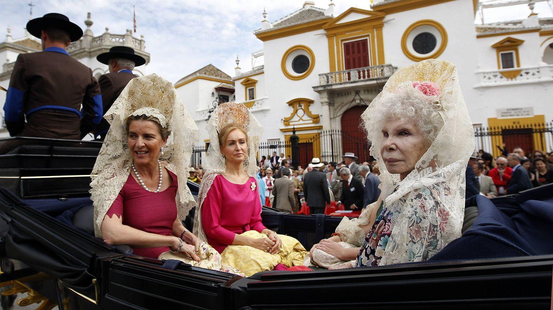 La duquesa de Alba, en la XXVI Exhibición de Enganches de la Feria de Sevilla. (EFE)