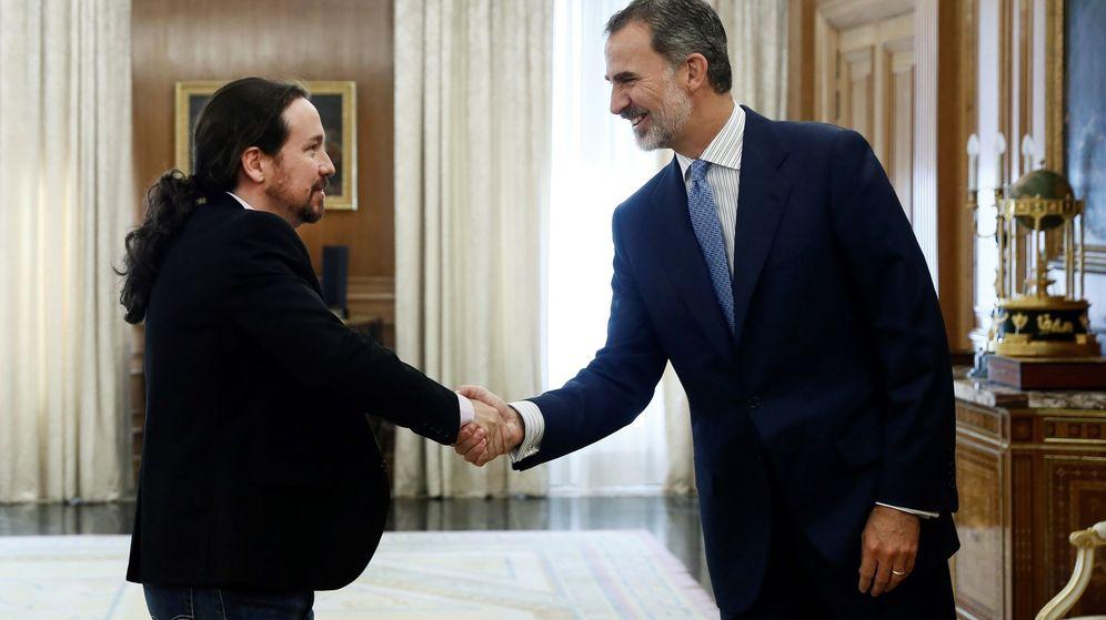 Foto: Felipe VI recibe en audiencia al líder de Unidas Podemos, Pablo Iglesias. (EFE)