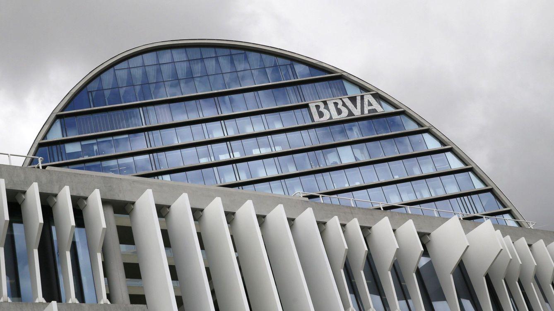 BBVA plantea recortar 3.000 empleos (el 10% de la plantilla) en España
