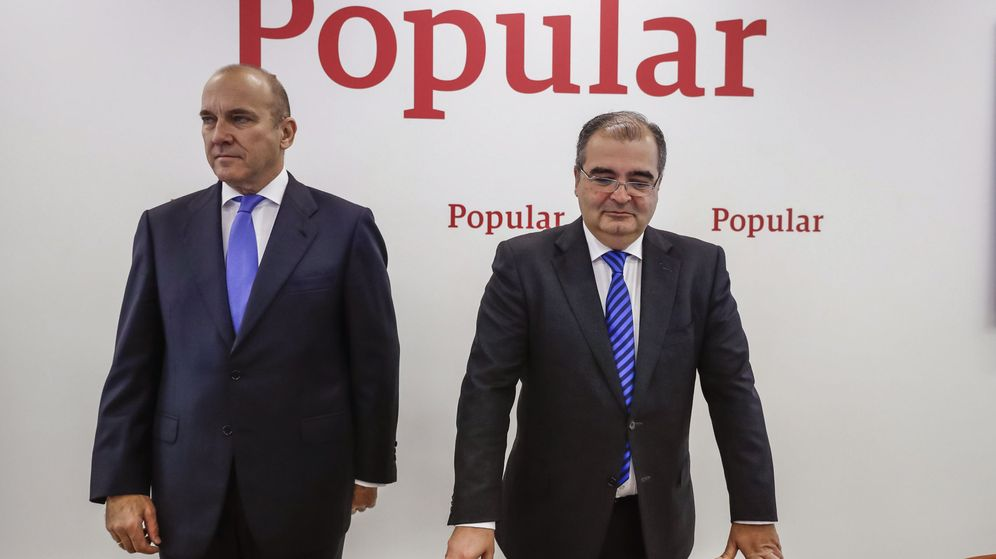Foto: El presidente del Popular, Ángel Ron (d), junto al consejero delegado, Pedro Larena (i). (EFE)