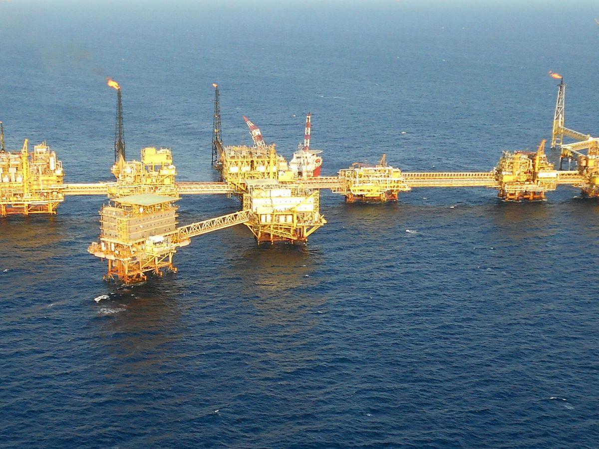 Foto: Una plataforma petrolera. (EFE)