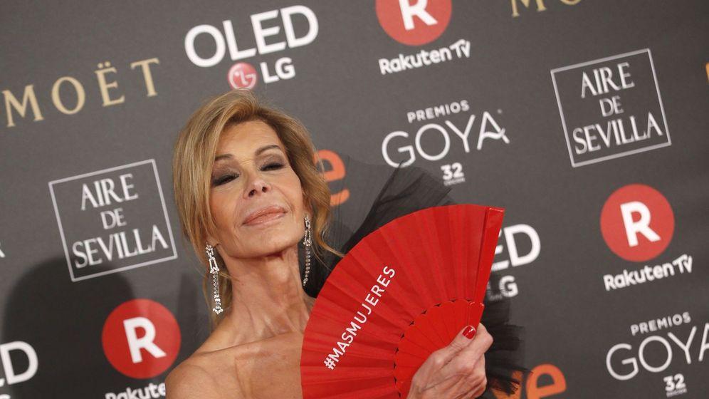 Foto: Bibiana Fernández, a su llegada a la 32 edición de los Premios Goya. (EFE)