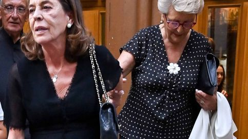 Las dos mujeres de Arturo Fernández, de la mano en su misa funeral