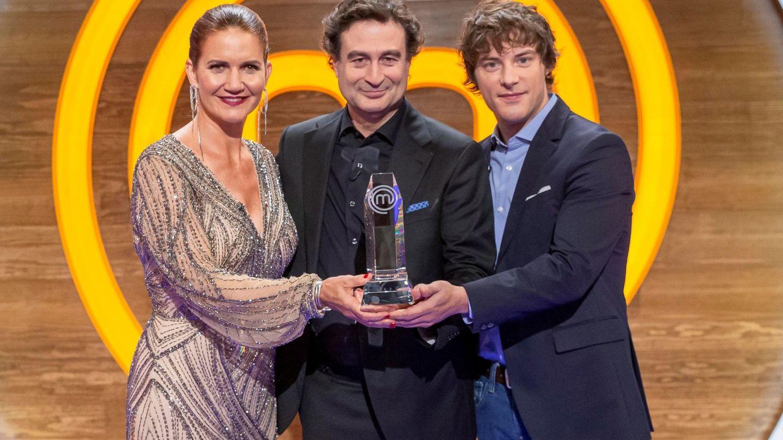 Los presentadores del concurso de 'MasterChef'. (EFE)