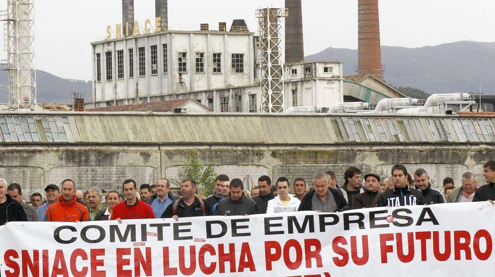 Foto: Fábrica de Sniace en Torrelavega. (EFE)