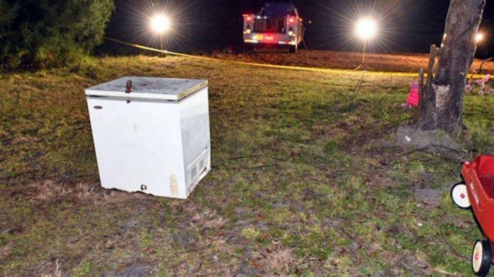 Foto: El congelador en el que se quedaron encerrados los menores (Foto: Oficina del Sheriff del Condado de Suwanee)