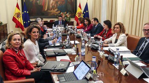 El Gobierno defiende a Tezanos: sus sondeos son creíbles y profesionales
