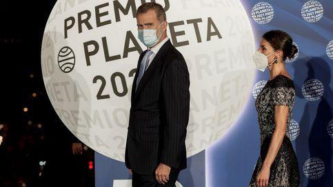 Un aplauso del alma para Felipe y Letizia y un misterio literario resuelto: el Premio Planeta 2021