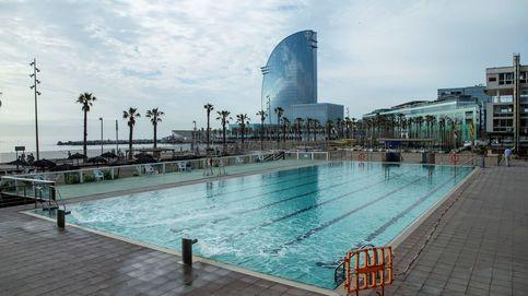 Cita previa, control de aforo y desinfección continua: propuestas para abrir las piscinas