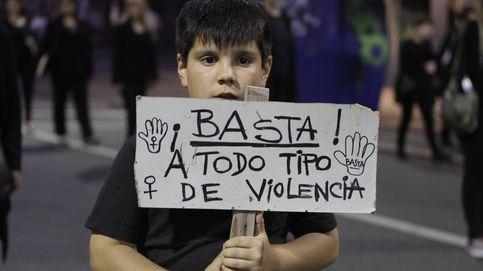 Un pueblo del PP el Día de la Mujer: Ser mujer es llorar callada los dolores