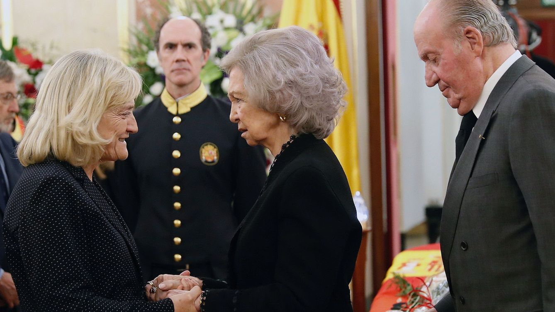 Los ojos llorosos del Rey emérito, al que Rubalcaba ayudó en su abdicación