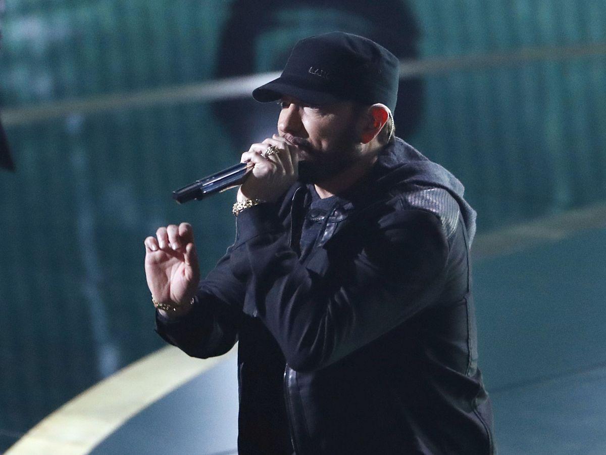 Foto: Eminem, durante la actuación. (Reuters)