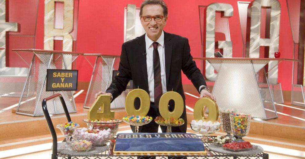 Foto: El presentador Jordi Hurtado celebrando su programa 4.000 de 'Saber y ganar'