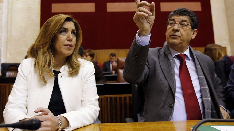 Foto: Susana Díaz y Diego Valderas, exlíder de IU-A y exvicepresidente de la Junta, en 2015. (Reuters)