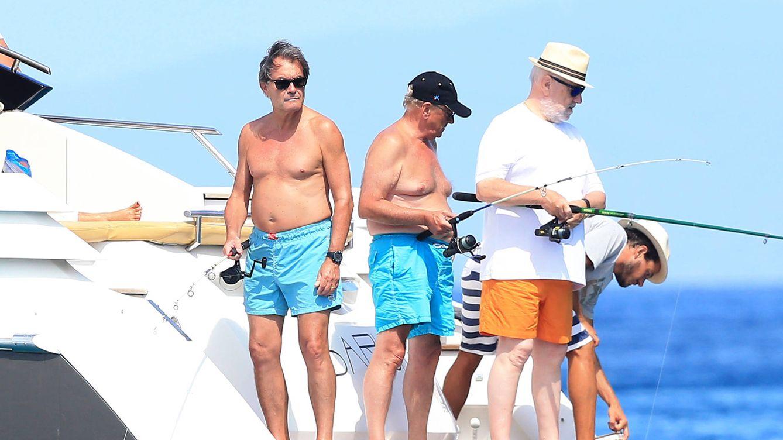 Artur Mas, de sus trajes a medida y sus vacaciones en Menorca a deber millones
