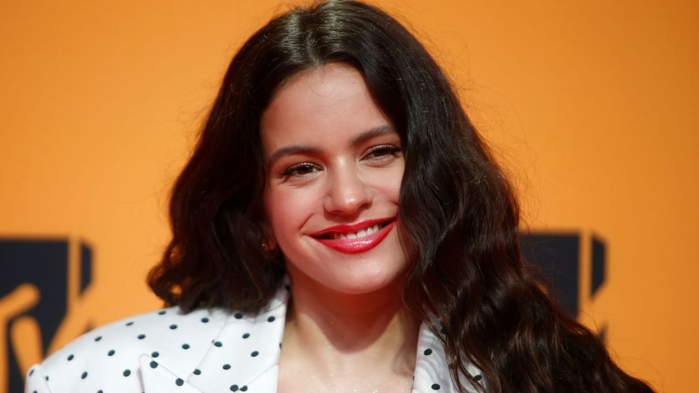 Foto: Rosalía, en la gala de los MTV EMA celebrados este año en Sevilla (Reuters/Jon Nazca)