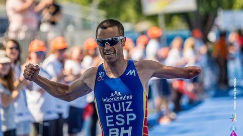 Jairo Ruiz gana la medalla de bronce e inaugura el medallero de triatlón