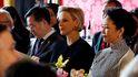 La seriedad de Charlène y la curiosidad de Jacques eclipsan la visita del presidente chino