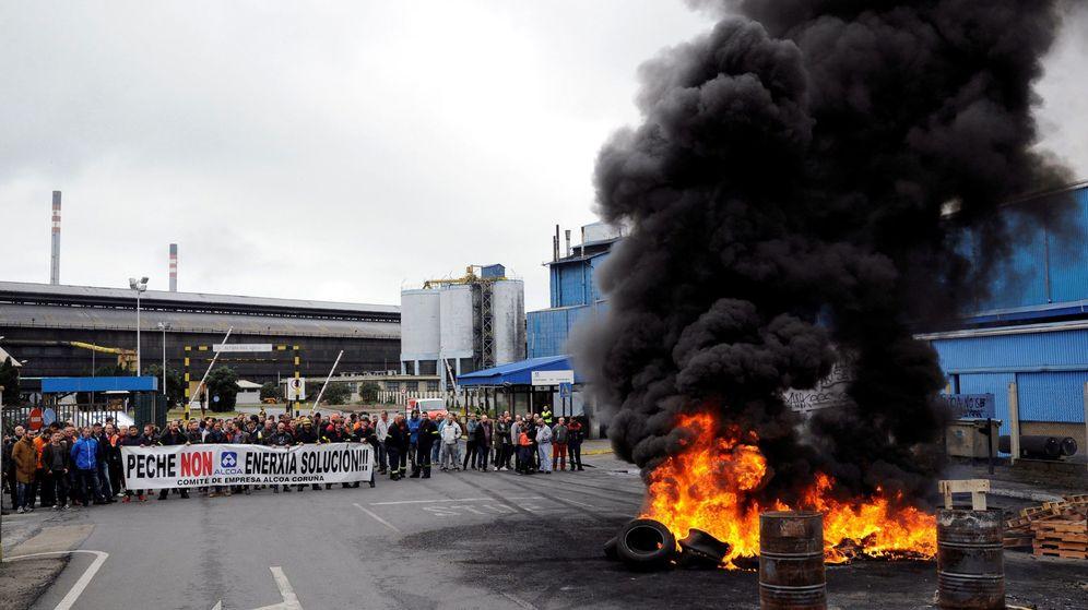 Foto: Protesta de los trabajadores de Alcoa. (EFE)
