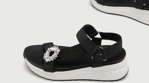 Las sandalias deportivas que son tendencia cuestan 23 euros y son de Lefties
