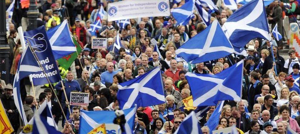 Foto: Manifestación de 2013 por las calles de Edimburgo (EFE)