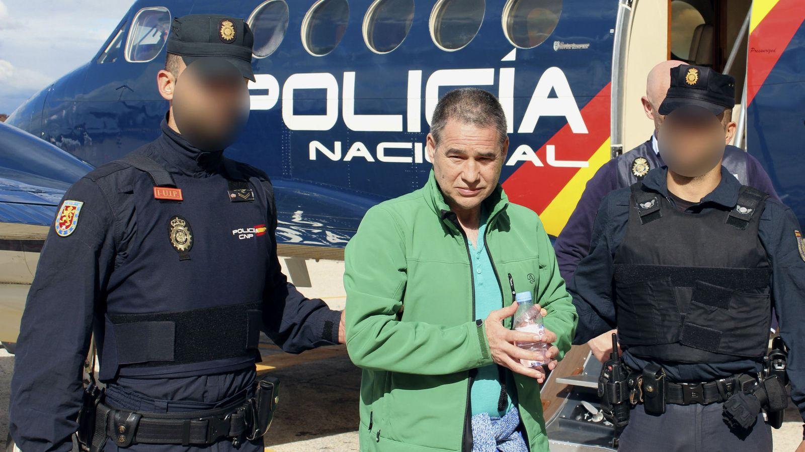 Foto: Fotografía facilitada por el Ministerio del Interior del etarra Antonio Troitiño. (EFE)
