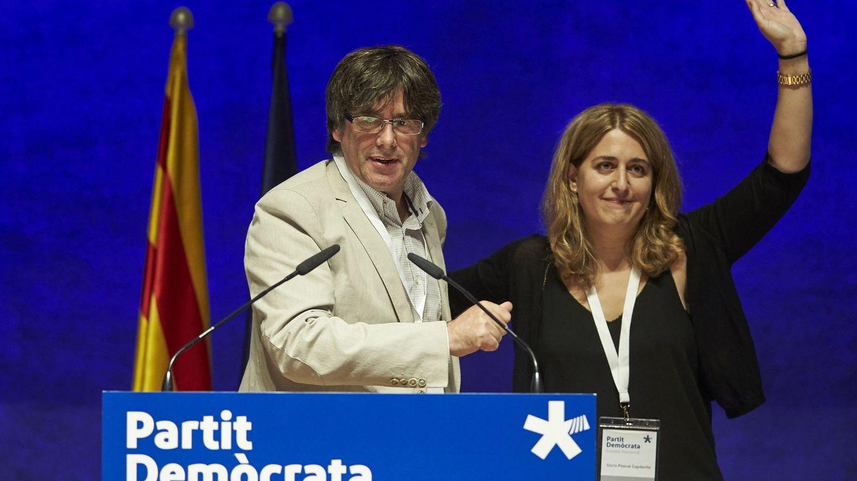 Foto: Carles Puigdemont y Marta Pascal en un acto en 2017. (EFE)