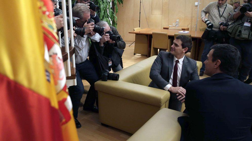 Foto: Pedro Sánchez y Albert Rivera, en una de sus reuniones. (EFE)