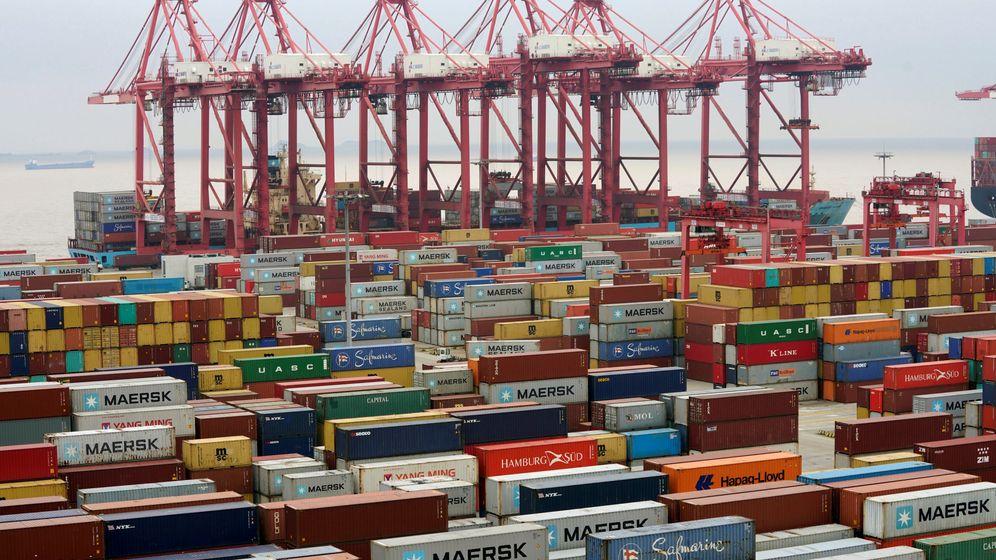 Foto: Contenedores en un puerto de Shanghai (China). (Reuters)