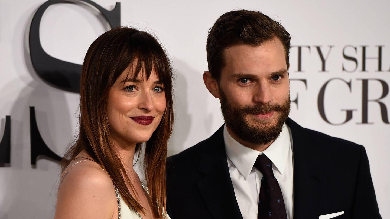 Dakota Johnson y Jamie Dornan, en el estreno de '50 sombras de Grey'. (Getty)