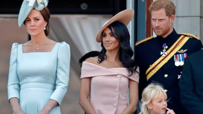 Los duques de Sussex junto a Kate. (Getty)