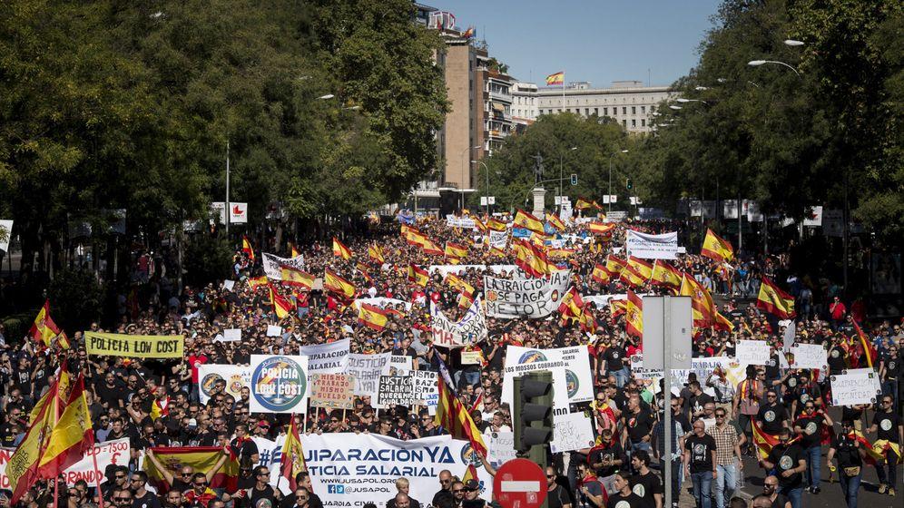 Foto: El pasado 6 de octubre Jusapol convocó la primera manifestación para pedir la equiparación salarial. (EFE)