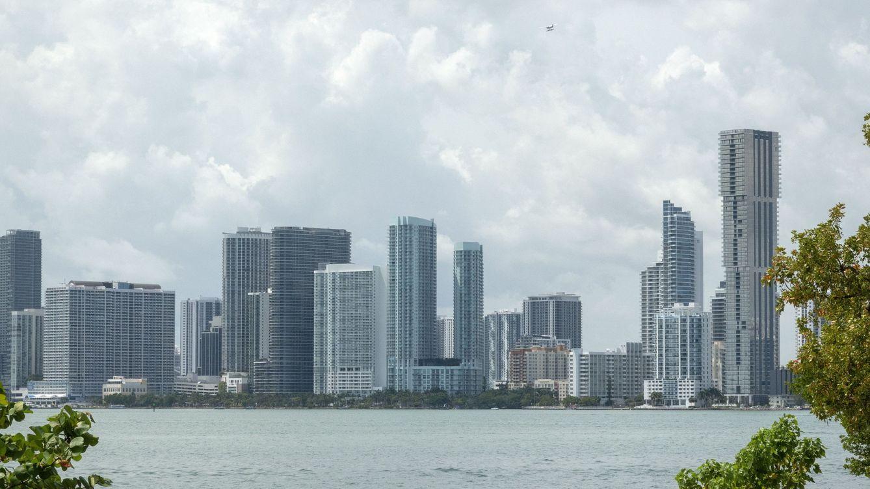 Sabadell se lanza a fichar banqueros en Miami para crecer en banca privada