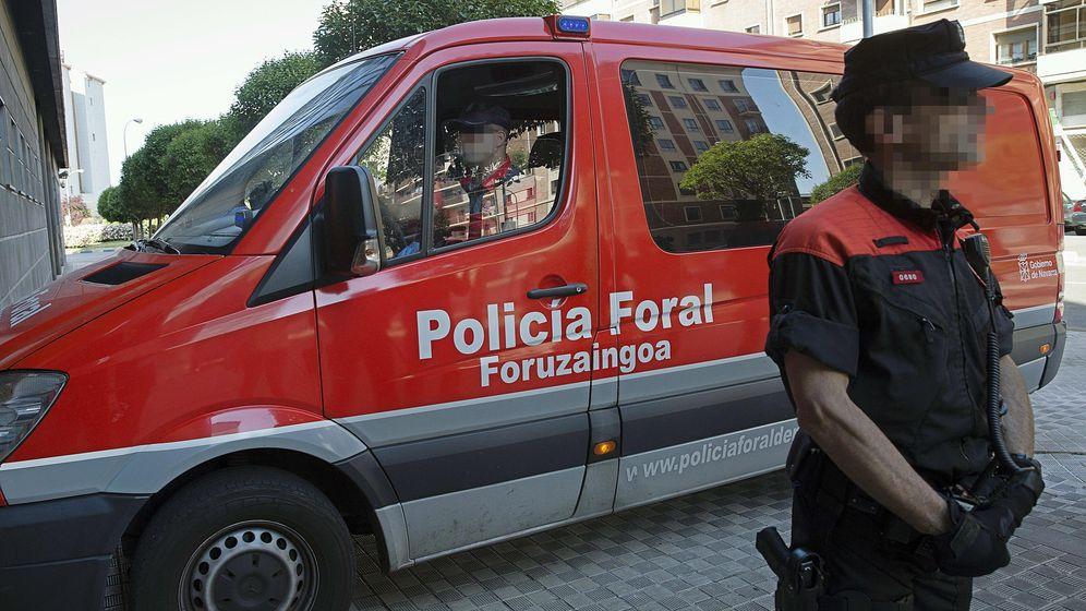 Foto: Imagen de archivo de un vehículo de la Policía Foral. (EFE)