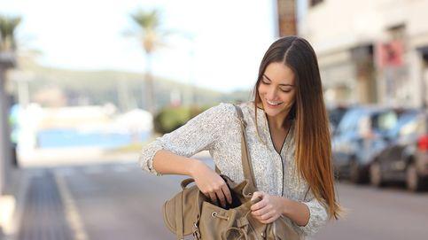 Por qué no debes dejar tu bolso en el sofá cuando vas de visita