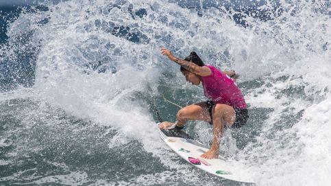 Cuartos de final del femenino de surf en Indonesia.