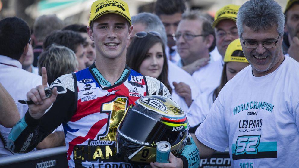 Danny Kent se convierte en campeón del mundo de Moto3 con sufrimiento