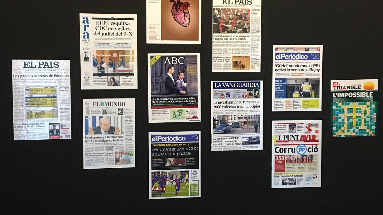 Imagen con los titulares en el 'museo de la corrupción' inaugurado por ERC. (A. Fernández)
