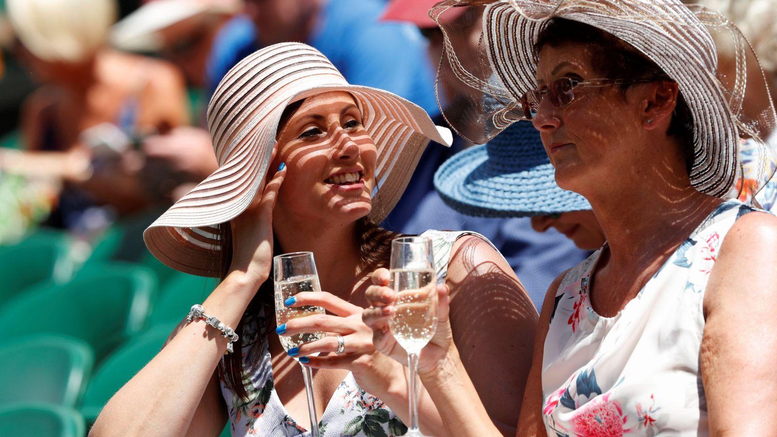 Foto: La creadora de la dieta del champán asegura que las burbujas son todo un estilo de vida (Reuters/Andrew Boyers)