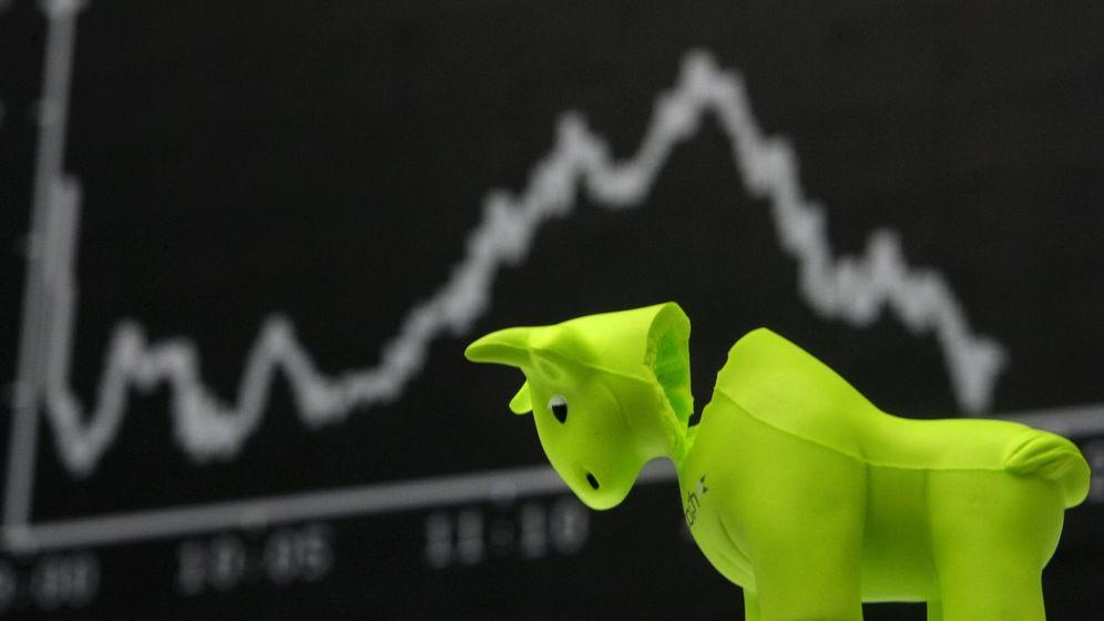 Foto: La figura del toro representa época de bonanza en la bolsa. (Reuters)