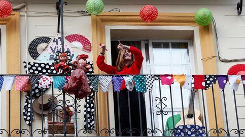 La Feria de Abril de Sevilla se celebra en los balcones por el confinamiento