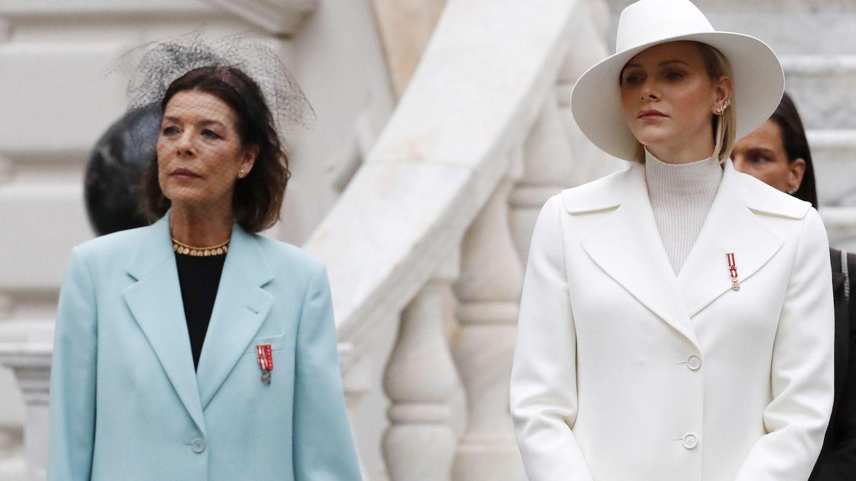 Charlène y Carolina de Mónaco, en las celebraciones por el Día Nacional. (EFE)