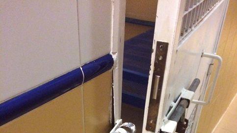 Puertas reventadas, un bolígrafo como arma... las imágenes del motín del CIE de Aluche