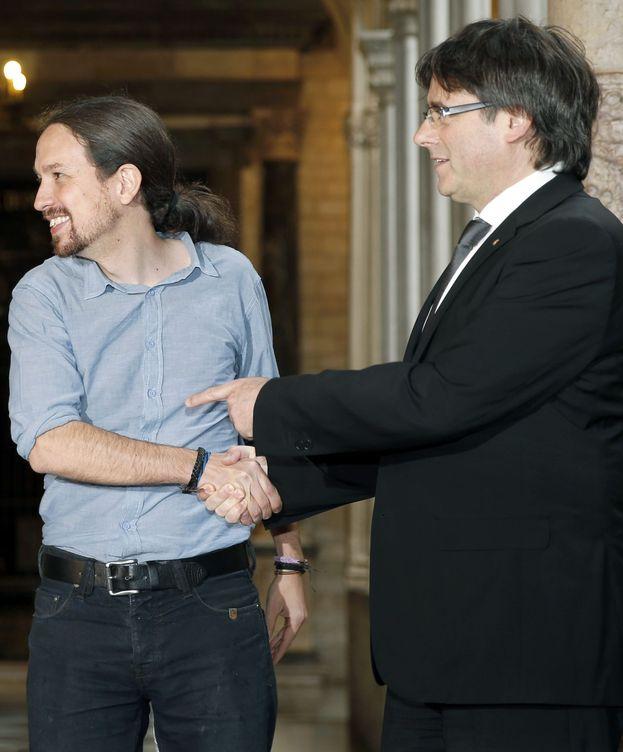 Foto: Pablo Iglesias y Carles Puigdemont. (EFE)