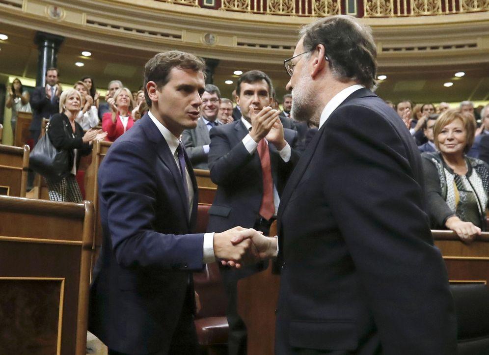 Foto: Rivera y Rajoy, en el Parlamento. (EFE)
